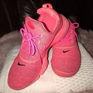 Nike Presto Fly SE Running Shoes Pink Punch Blast